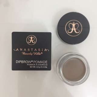 Anastasia Beverly Hills Dipbrow Pomade - Taupe