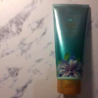 Victoria Secret Aqua Kiss Body Cream