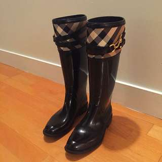 Burberry Boots
