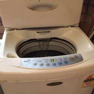 QUICK SELL- LG Washing machine 6.5kg Top Loader WF-T652