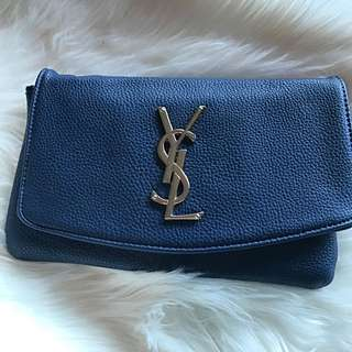 YSL CLUTCH ( Not Authentic)