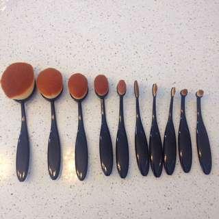 Oval Brush Set