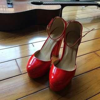 白鳥麗子紅色復古瑪莉珍高跟鞋