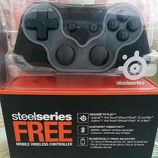 BNIB Steelseries FREE