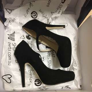 Betts Shirley Black Heels