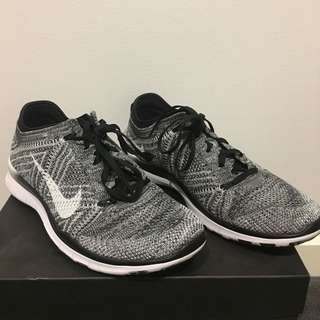 New Nike TR 5 Flyknit Training Shoe
