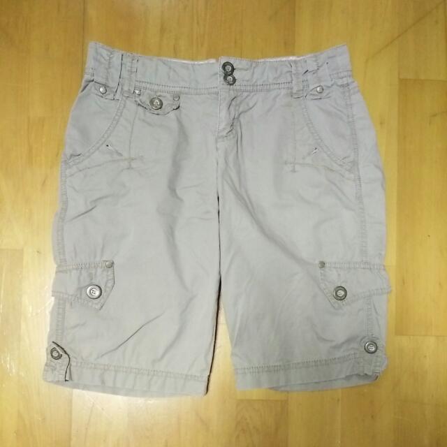 9成新 專櫃 正品 ESPRIT 三宅一生 女生 短褲---咖啡(28腰)
