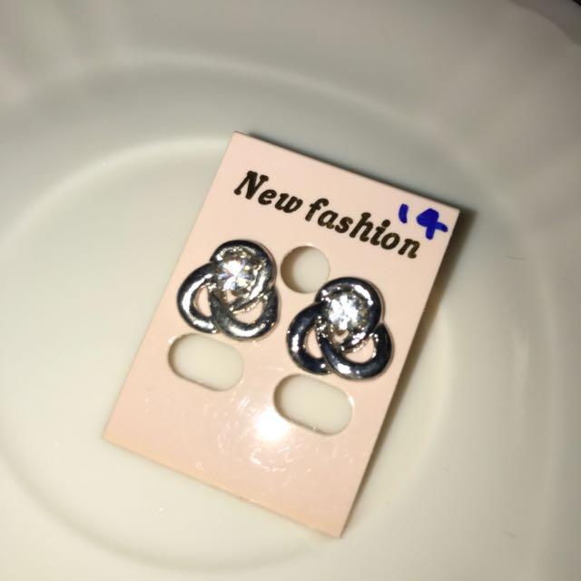 [全新]耳環(耳釘式)