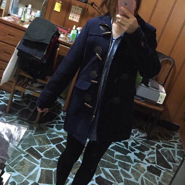 深藍色毛呢外套