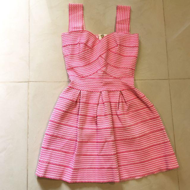 正韓-粉紅.繃帶洋裝