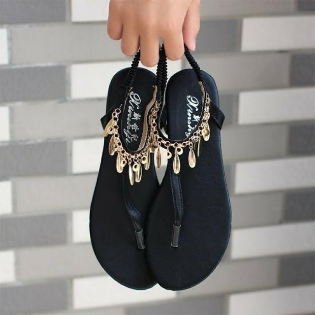 巴洛克風格的涼鞋