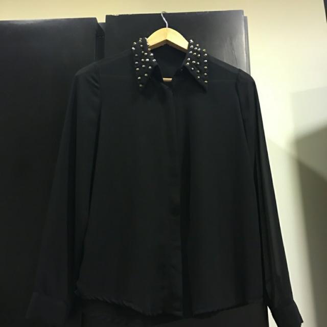 鉚釘領飾襯衫