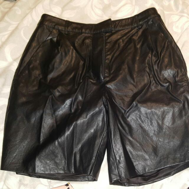 Bardot Size 8 Leather shorts