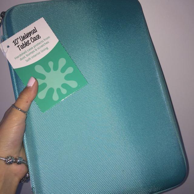 Brand new iPad/Tablet Hard Case