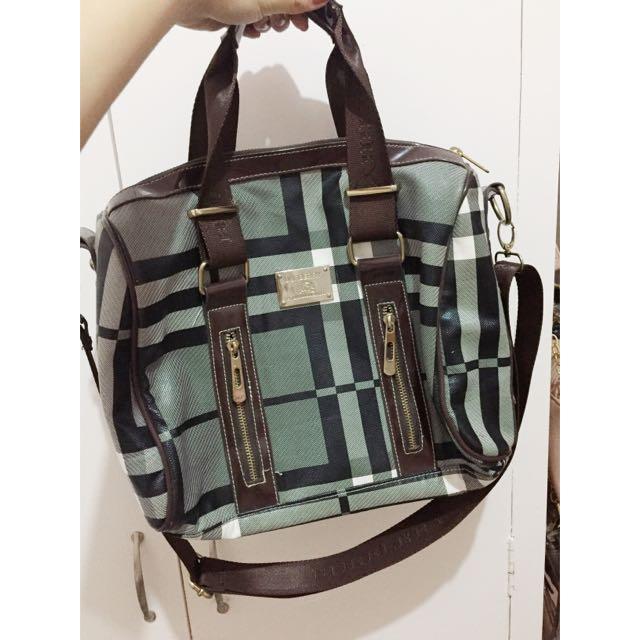 Burberry Replica Bag
