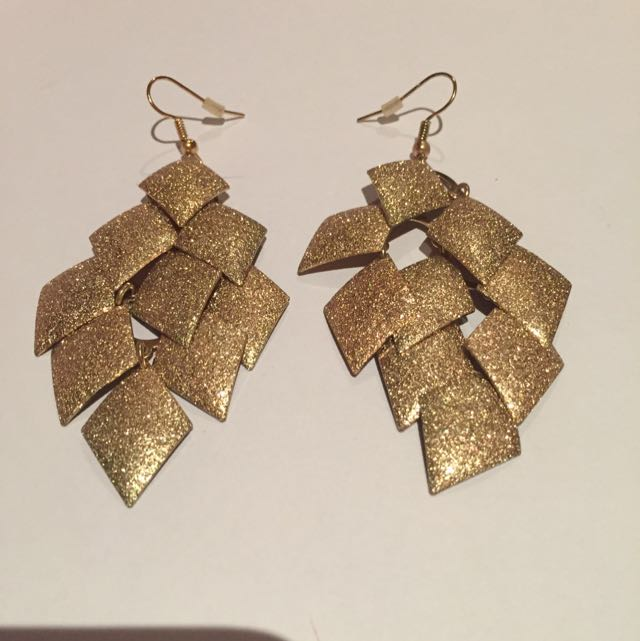 Gold Sparkly Diamond Shaped Hanging Earrings