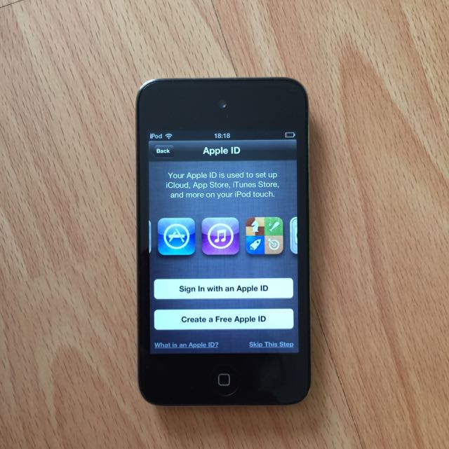 Ipod touch 8GB Gen 4