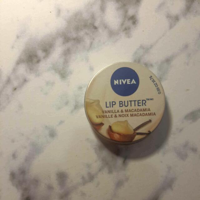 Nivea Lip Butter Vanilla And Macadamia