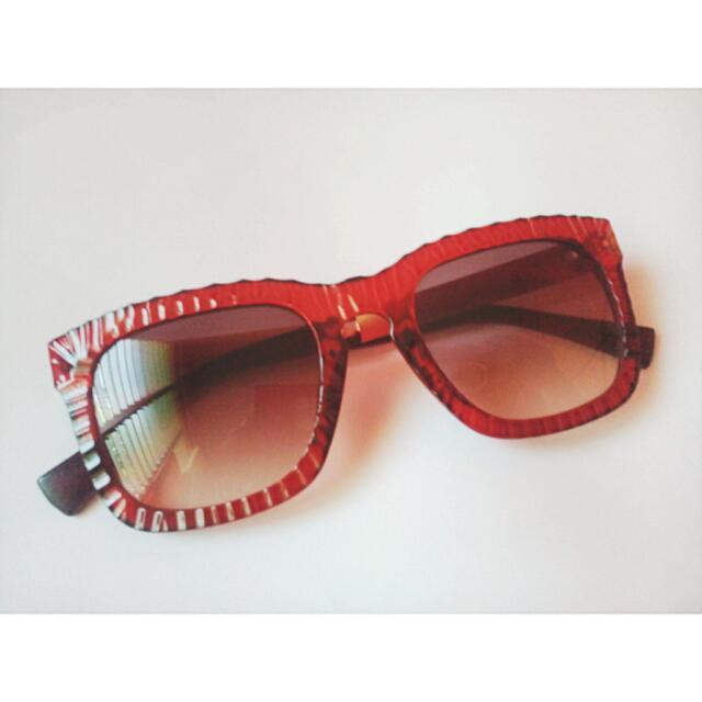 PRELOVED Red Grid Sunglasses
