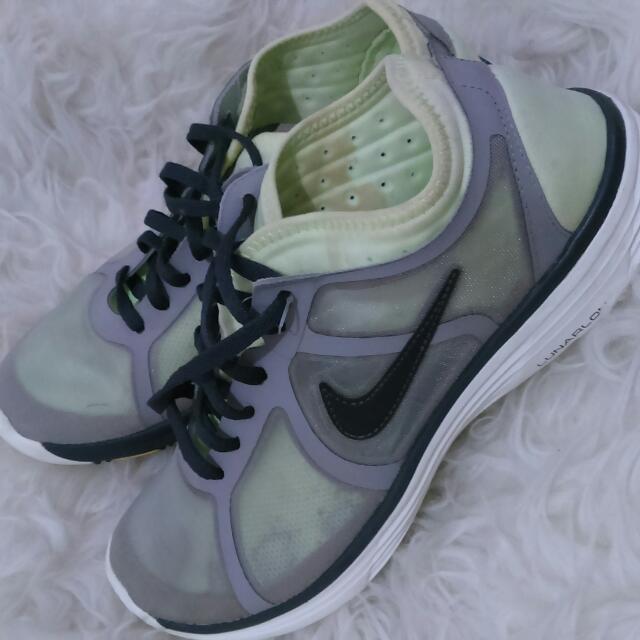 Sepatu Nike Lunarlon