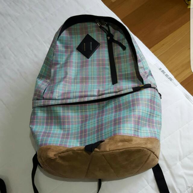 Zelows Checkered Backpack