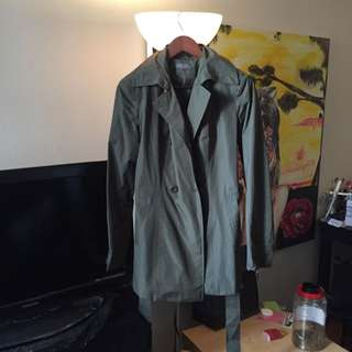 Like New Suzy Shier Raincoat /Fall Coat