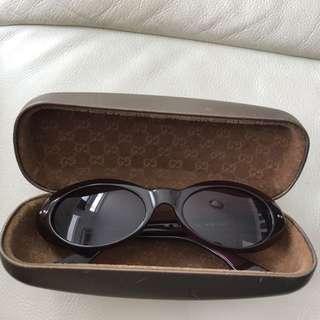 Gucci 9成新啡紅色太陽鏡連原裝盒
