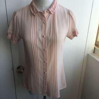 🚚 ASOS 粉色 蕾絲織領 短袖襯衫