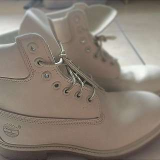 """Timberland 6"""" Premium Boots White Color"""