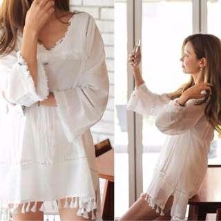 花邊拼接長袖V領連衣裙棉麻民族風質感打底衫(白色)