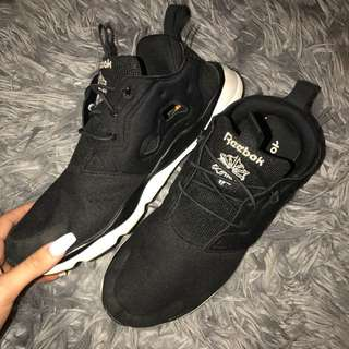Size 10 Reebok