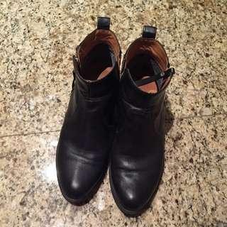 英國品牌Jones短靴