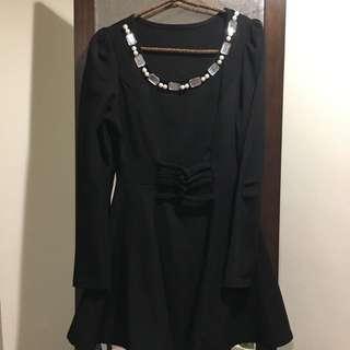 縮腰黑洋裝