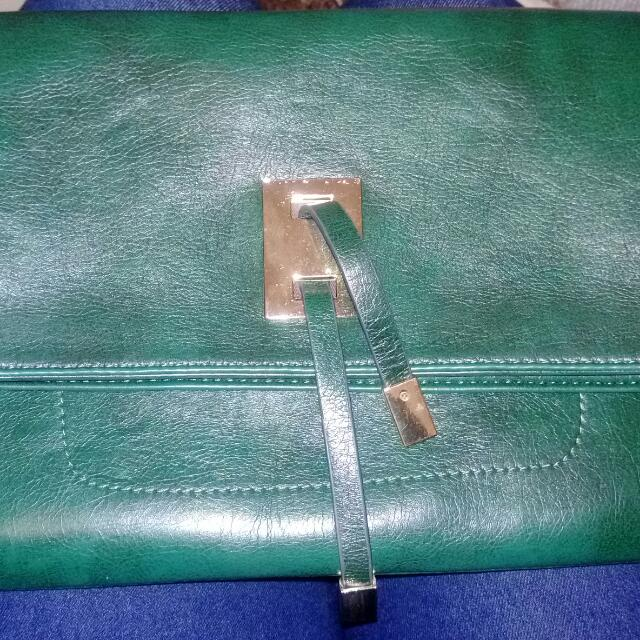 全新綠色經典手拿包