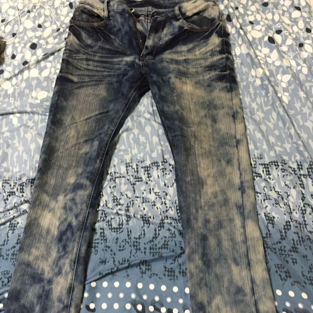 刷色淺藍牛仔褲