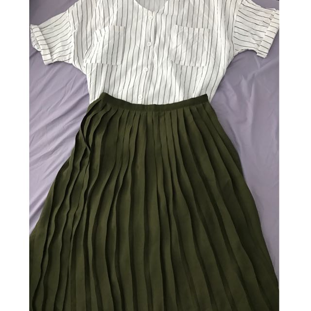 Blackish Green pleated Skirt