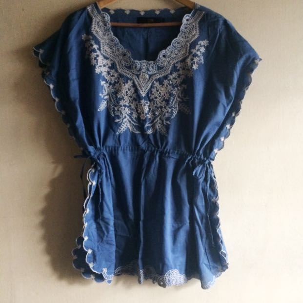 SALE CLN Embroidered Blouse
