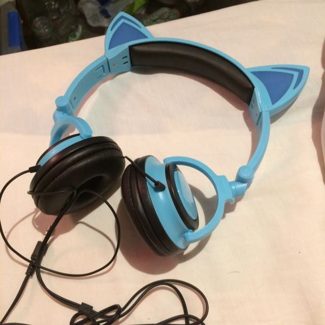 ⏰PENDING⏰ Cute Japanese Cat Ears Light Up Headphones Blue
