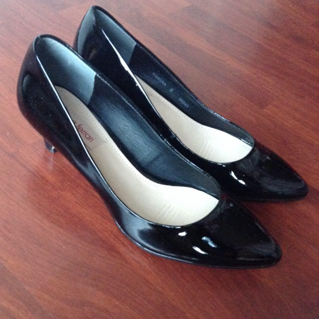 Diana Ferrari Heels Black