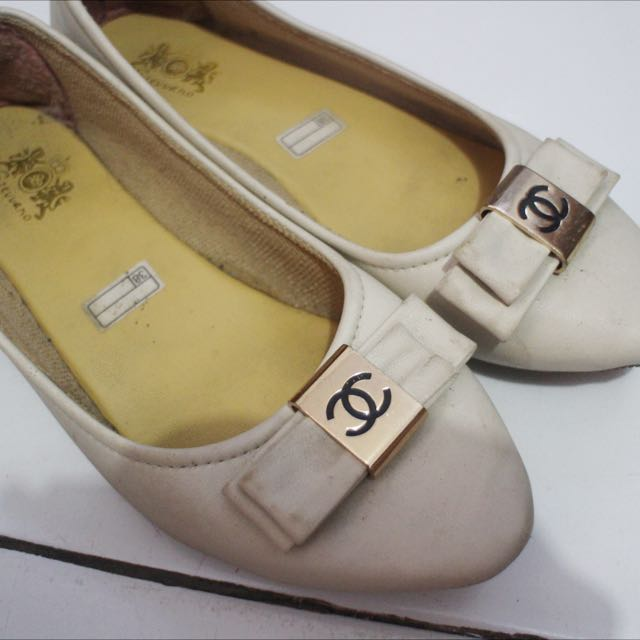 Flat Shoes White