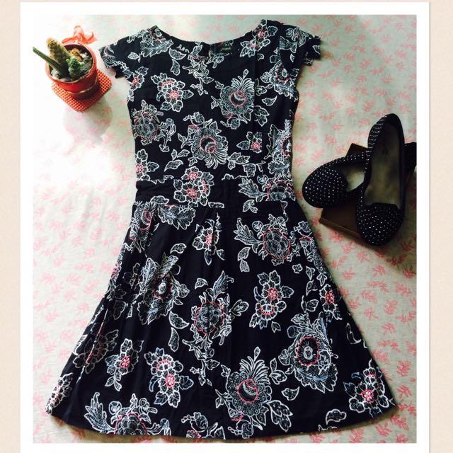 """""""Floral Black Dress"""""""