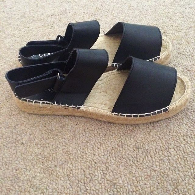 Glassons Sandals Size 8