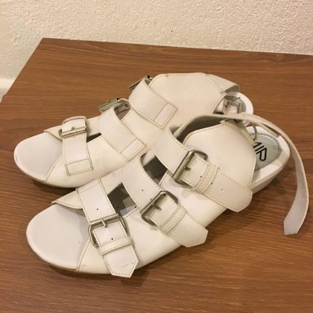 I WEAR UP White sandal