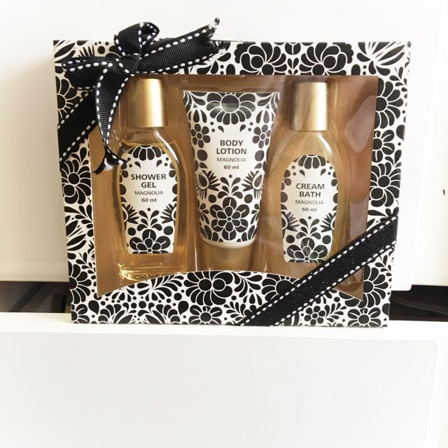Magnolia Set - Bath Gel, Cream Bath, Body Lotion
