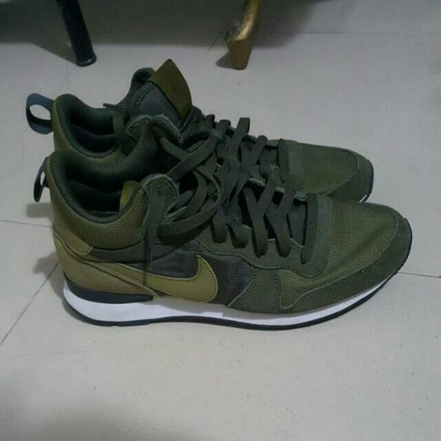 Repriced. Nike Internationalist Mid