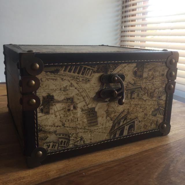 European Landmarks - Storage Box - 24x24cm