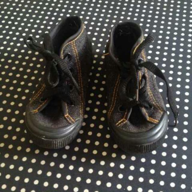 sepatu anak denim
