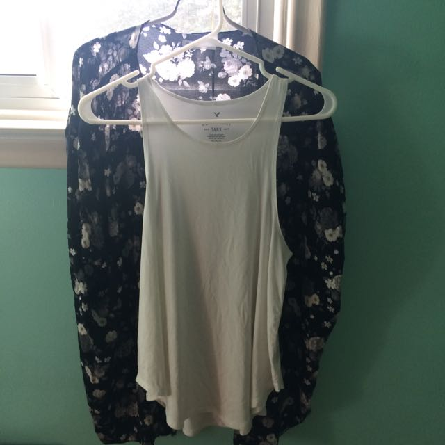 soft&sexy American eagle top!!