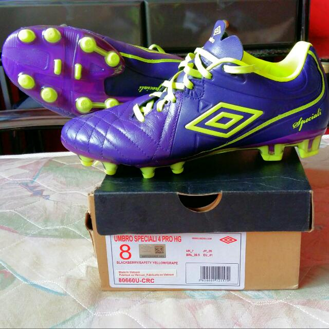 UMBRO Soccer Boots (1st Grade Authentic) @ more than 50