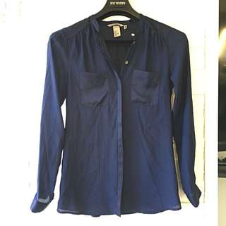 H&M | Navy blouse Size 2